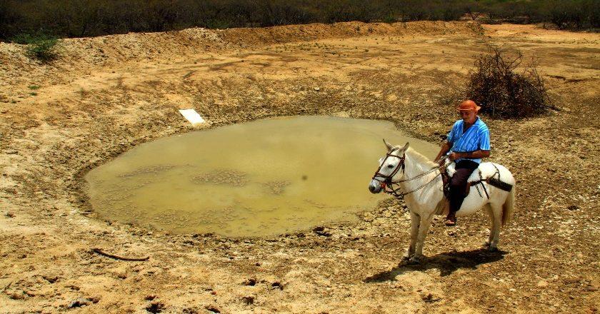 Dos 43 açudes e reservatórios do Estado, 32 estão secos ou em volume morto