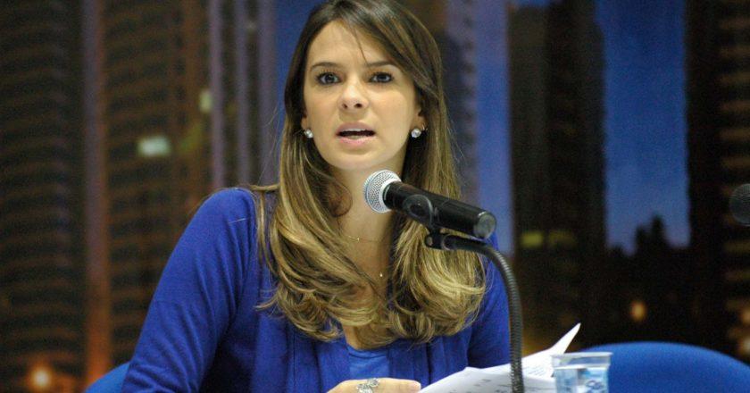 vereadora Júlia Arruda